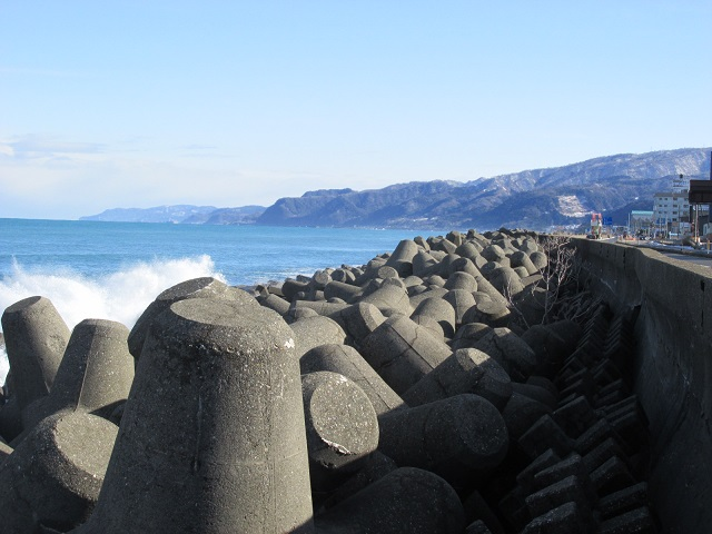 テトラポッドと日本海