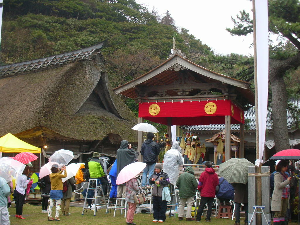 白山神社春大祭 稚児の舞