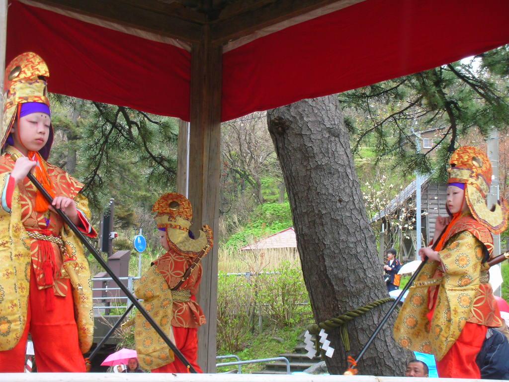 白山神社春大祭 泰平楽(たいへいらく)