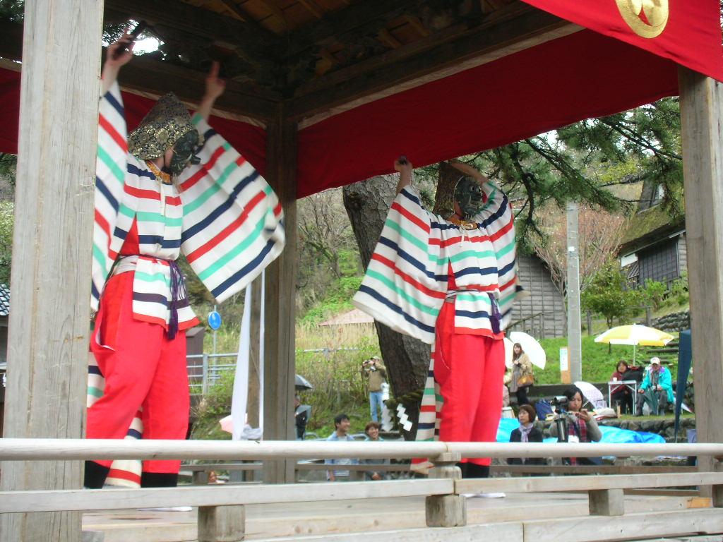 白山神社春大祭 納曾利(なそり)