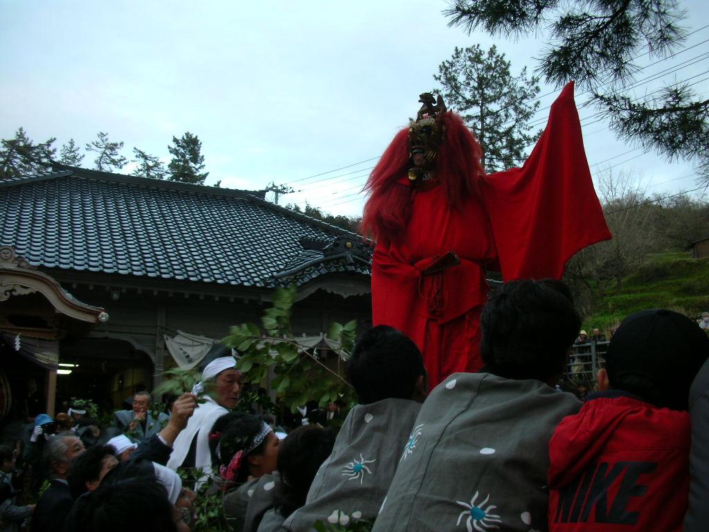 白山神社春大祭 陵王(りょうおう)3